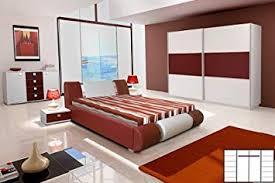de schlafzimmer mit doppelbett schwebetürenschrank