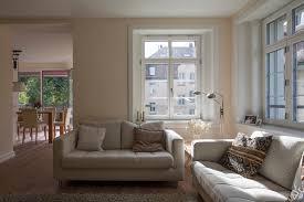 blick vom wohnraum zum esszimmer im anbau tschander keller