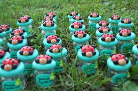 petit pot pour dragees mes petits pot à dragées coccinelles se promène dans le jardin