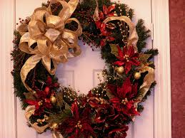 Christmas Office Door Decorating Ideas by How To Decorate A Christmas Wreath Peeinn Com