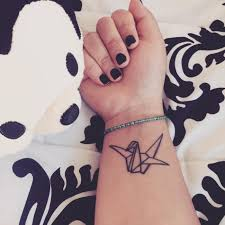 90 Best Small Wrist Tattoos