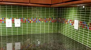 Cutting Glass Tile Backsplash Wet Saw by 30 Amazing Design Ideas For A Kitchen Backsplash