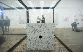 damien hirst retrospective exhibition at tate modern in