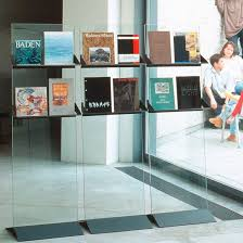 pr駸entoir bureau présentoir pour brochures en verre pour bureau taro 15 by