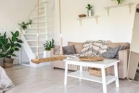 landhaus wohnzimmer idee skandinavisch mit stoffsofa