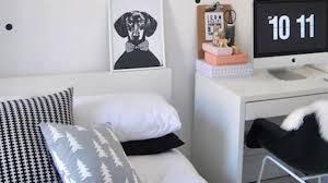 chambre blanche et relooking déco chambre en noir et blanc côté maison