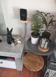 osterdeko im wohnzimmer mit liebesbedürftigen p