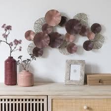 wanddeko aus metall rosa bronzefarben und violett 71x47