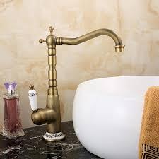 antik messing waschtischarmatur einhand im badezimmer