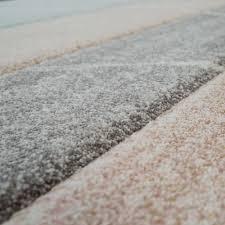 skandi teppich wohnzimmer rauten muster pastell mehrfarbig