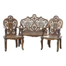 brienzer holzwohnzimmer mit 1 sofa und 2 sesseln