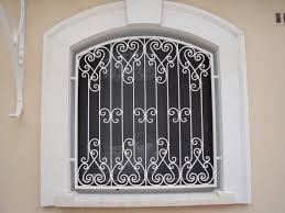 nos modèles de grilles de portes et de fenetres en fer forgé à