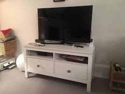 Ikea Hemnes Desk Uk by Ikea Hemnes White Tv Stand 2 Drawers Negotiable Price In