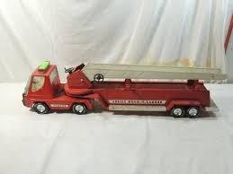 100 Metal Fire Truck Toy VINTAGE NYLINT FIRE TRUCK