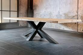 table salle a manger contemporaine table ronde en bois avec