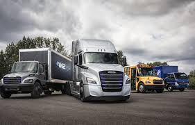 100 Em2 Design Freightliner Unveils Two More Electric Trucks ECascadia And