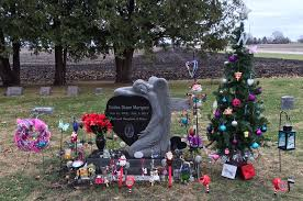 Nailea Marquezs Grave In Violet Hill Cemetery Includes A Solar Powered Christmas Tree And Stocking