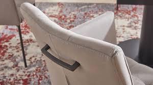 die stühle der esszimmer serie 5104 haben einen praktischen