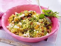 chili couscous salat mit kräuteraprikosen