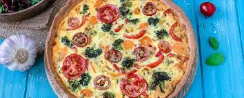 vegetarische quiche mit viel gemüse