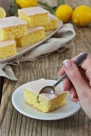 saftiger zitronenkuchen vom blech rezept lifestyle