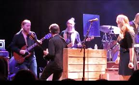 Tedeschi Trucks Band Welcomes Luther Dickinson For Allman Brothers ... Derek Trucks The Allman Brothers Band Performing At The Seminole 24 Years Ago 13yearold Opens For Brizz Chats With Of Review Tedeschi Jams Familystyle Meadow Brook Needle And Damage Done Gregg Warren Haynes Signed Autograph Electric Guitar Core Relix Media To Exit