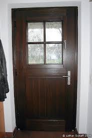 haustür mit separaten türfenster aufrechtgenutete
