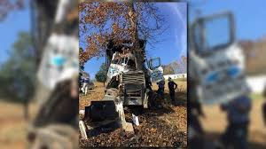 Wbir.com | Driver Pulled From Dump Truck After Crash Into Tree In ... 2016 Chevrolet Silverado 2500hd High Country New Smyrna Beach Fl 1972 C10 My Classic Garage Peterbilt Tractors Semis For Sale Vanguard Truck Centers Commercial Dealer Parts Sales Truckpapercom 2018 Mac 48 Flatbed Wlog Stakes For Sale White Noise 2011 Ford F250 Truckin Magazine Whited Rv Motorhomes Service In Auburn Me Uibles A Family Blog April 389