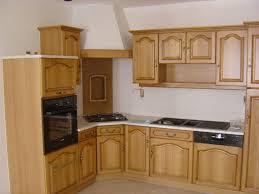 voir cuisine meuble de cuisine en bois massif meuble cuisine bois brut cuisine