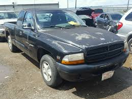 Salvage 2000 Dodge DAKOTA Truck For Sale