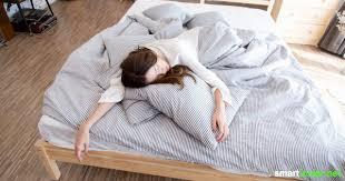 12 tipps besser schlafen bei hitze auch ohne klimaanlage