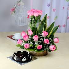 A Basket of 15 Pink Roses with Half Kg Chocolate Cake
