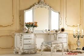 coiffeuse de chambre pour femme je veux une chambre romantique et baroque à voir
