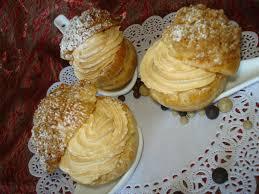 choux crumble crème chantilly et caramel au beurre salé