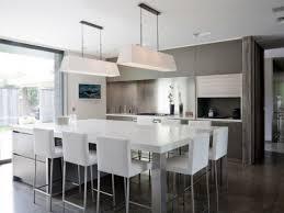 cuisine avec grand ilot central cuisine ilot centrale design 2 central table en avec newsindo co