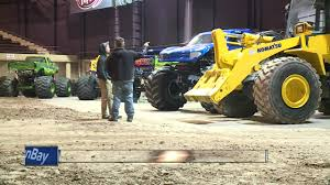 100 Monster Trucks Green Bay XL Tour 2017