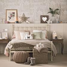 Cosy Bedroom Decorating Ideas