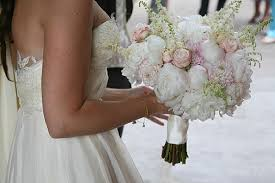 SUMMER RUSTIC WEDDING FLOWERS AT SHUSTOKE FARM BARNS WHITE
