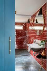 75 landhausstil badezimmer mit roten fliesen ideen bilder