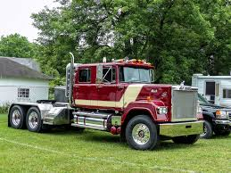 Mack Super Liner Semi With A Custom Built Crew Cab | Flickr