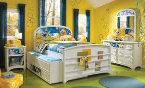 la chambre jaune design interieur enfant chambre jaune thème éponge bob la
