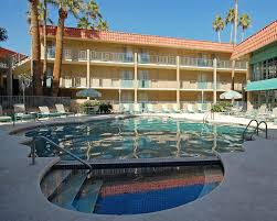 Asu West Help Desk by Ramada Tempe Near Asu In Phoenix Hotel Rates U0026 Reviews On Orbitz