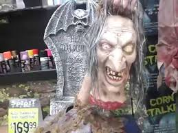 Spirit Halloween Animatronics 2014 by Vlog 2014 Spirit Halloween Scary Animated Decorations Youtube