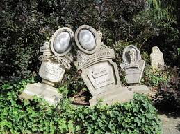 Funny Halloween Tombstones by Tombstones Found In The Exit Queue At Phantom Manor Haunted