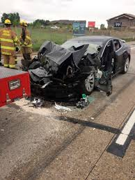 100 Fire Truck Accident Police Tesla In Autopilot Mode Sped Up Before Crashing Into Truch
