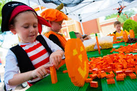 Coconut Grove Halloween 2015 by Halloween In Orlando Is The Perfect Spot For Spooky Family Fun