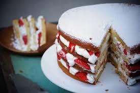 fraisier herve cuisine gâteau au yaourt facile façon layer cake aux fraises