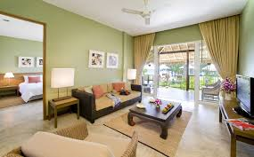 Brown Sectional Living Room Ideas by Living Room Contemporary Tropical Themed Sun Room With Unique
