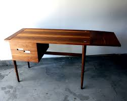 American Of Martinsville Dining Room Table by American Of Martinsville Manly Vintage