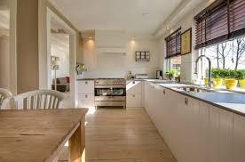 der heizkörper in der küche sehr clever eingebaut